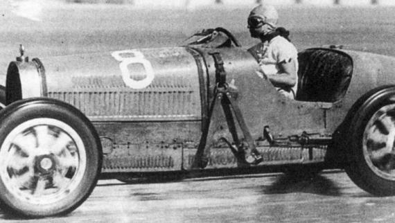 """Livro """"Henrique Lehrfeld e o Bugatti 35B"""" será apresentado no Salão Motorclássico"""